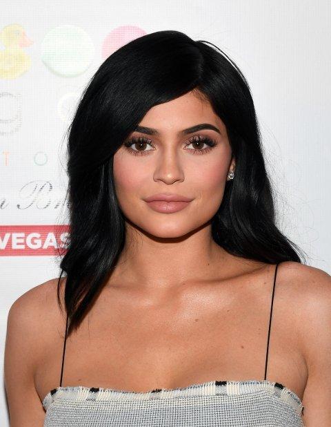 Kylie Jenner under Factory American Brasserie i Las Vegas