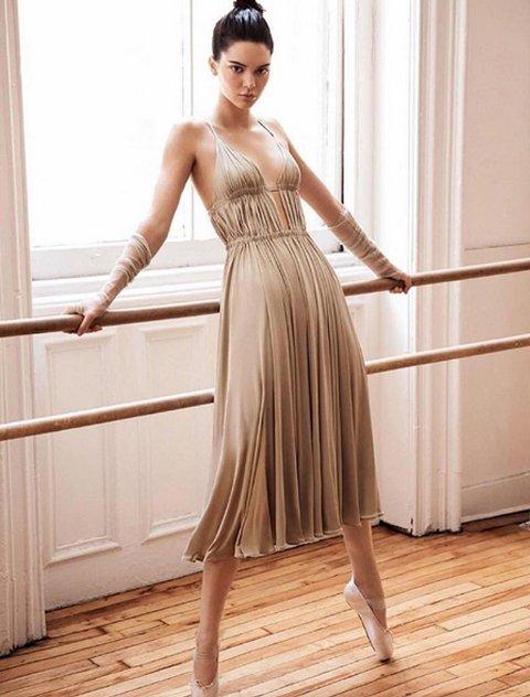 BALLERINA: Kendall Jenner som ballerina for Vogue. Det falt enkelte tungt for brystet.
