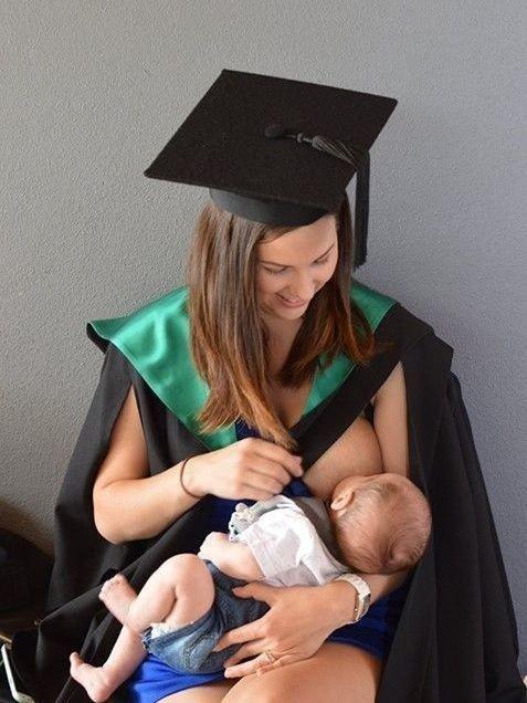 JACCI SHARKEY (24) fikk to barn under studiet og ville vise andre mødre at det går an å kombinere småbarn med studier.