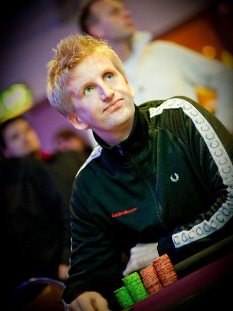 UTROLIG HISTORIE: Få personer har levd et så kontrastfylt liv som pokerproff Andreas Høivold. Her fra tiden han spilte for Ladbrokes.