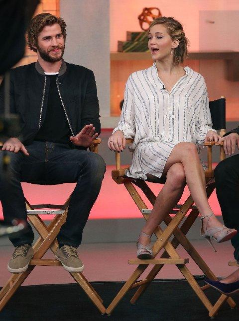 God kjemi mellom Jennifer Lawrence og Liam hemsworth.