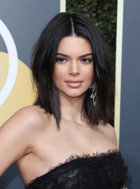 Kendall Jenner under årets Golden Globe Awards. Modellen har ikke vært å se under de store, internasjonale moteukene.