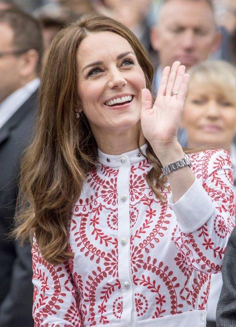 KATE MIDDLETON: Catherine, hertuginne av Cambridge, var strålende blid og gjennomført elegent da hun traff folket i helgen.