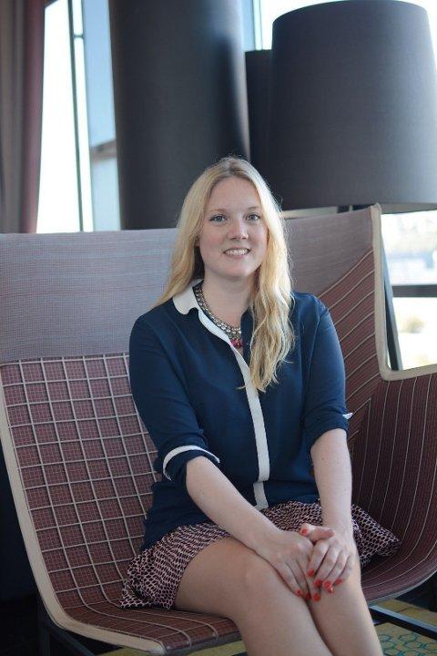 POLITIKER: Aina Stenersen (31) er politiker for Frp - og vil gjerne ha kjæreste. Men å være profilert kan til tider vanskeliggjøre date-prosessen.