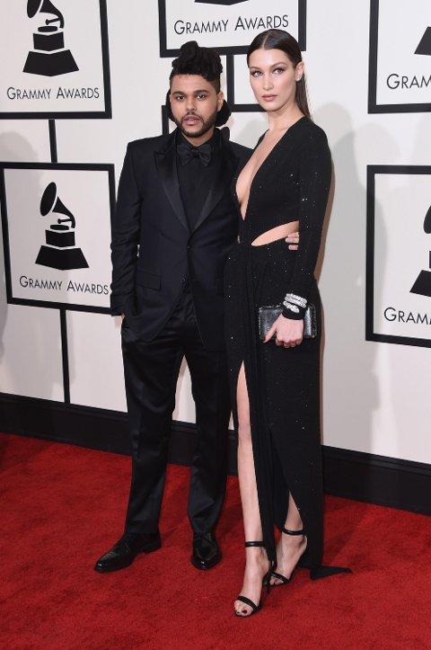 The Weeknd og Bella Hadid under Grammy Awards i februar 2016.