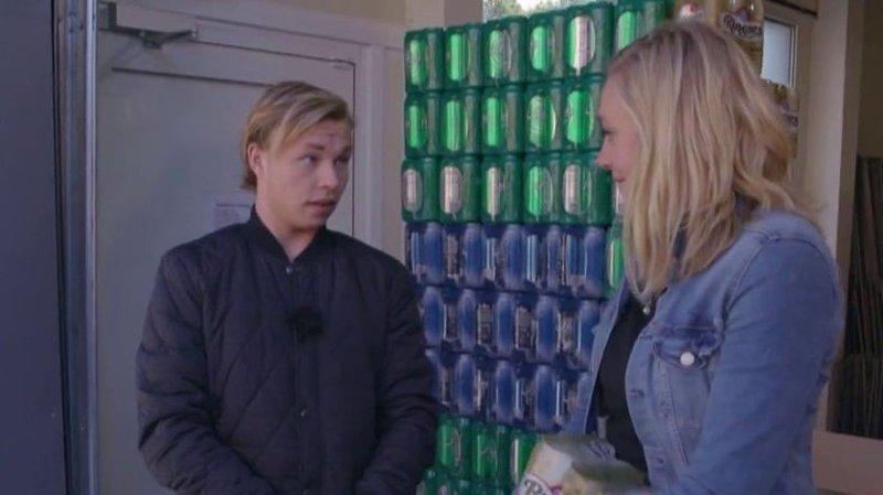 Robin Pettersen blir konfrontert av forbrukerøkonom Lene Drange i tv-programmet Luksusfellen.