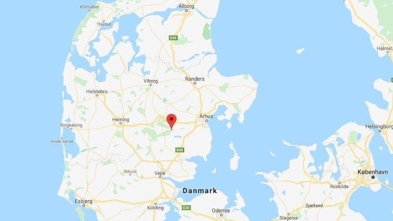 Halloween-ulykken skjedde i Gammel Rye i Danmark.