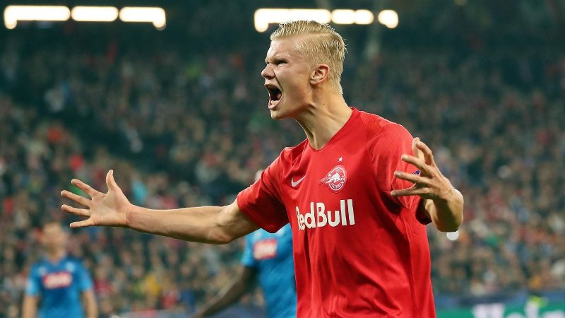 Salzburg's Norwegian forward Erling Haaland reacts during the UEFA Champions League Group E football match FC Red Bull Salzburg v SSC Napoli on 23 October 2019 in Salzburg, Austria. / Austria OUT
