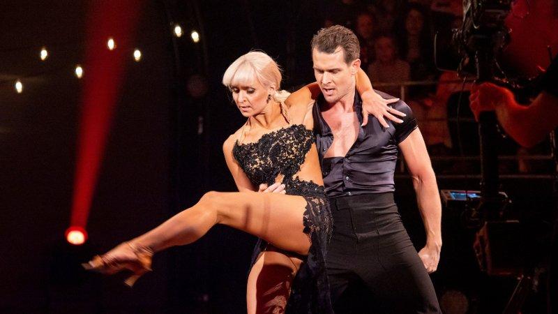 Skal vi danse - Program 11 9. november 2019 Skal vi Danse, program 11, semifinale. Aleksander & Nadya under semifinalen i Skal vi danse.