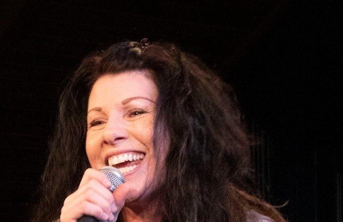 Vokalisten Linda Kvam.