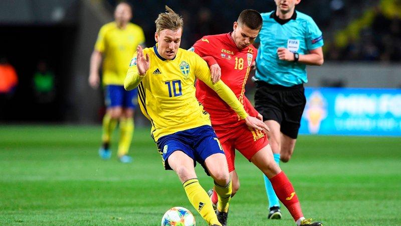 Sweden's midfielder Emil Forsberg