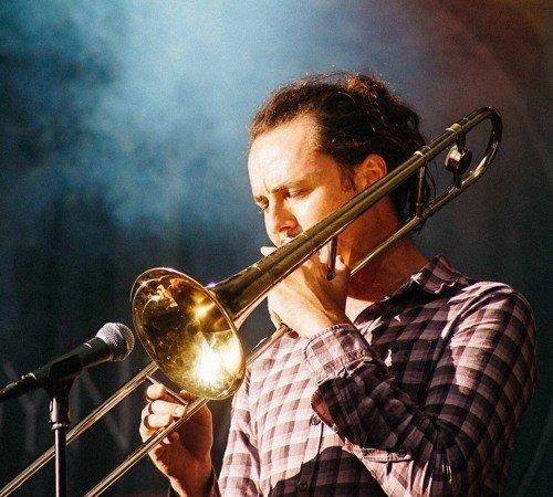 Trombonisten og komponisten Magnus Murphy Joelson.