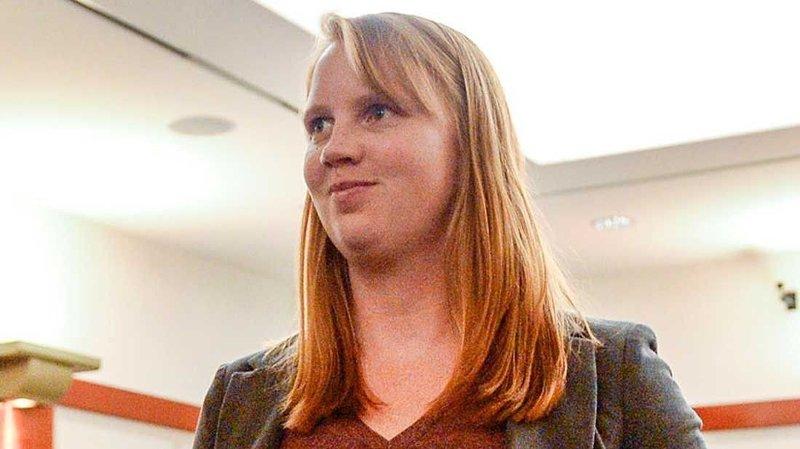 Tilli Buchanan ble i februar i år tiltalt for tre tilfeller av forseelse for seksuell krenkelse overfor barn, etter at hun avdekket brystene sine overfor hennes stebarn for flere år siden.