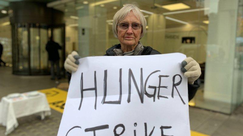 FORKJEMPER:La Pethnick har tidligere vært arrrestert etter klimaprotester. Nå sultestreiker hun.