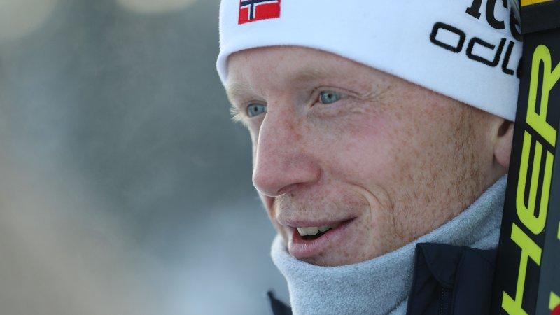 SER BRA UT: Johannes Thingnes Bø ligger an til seier på 10 kilometer sprint i Östersund.
