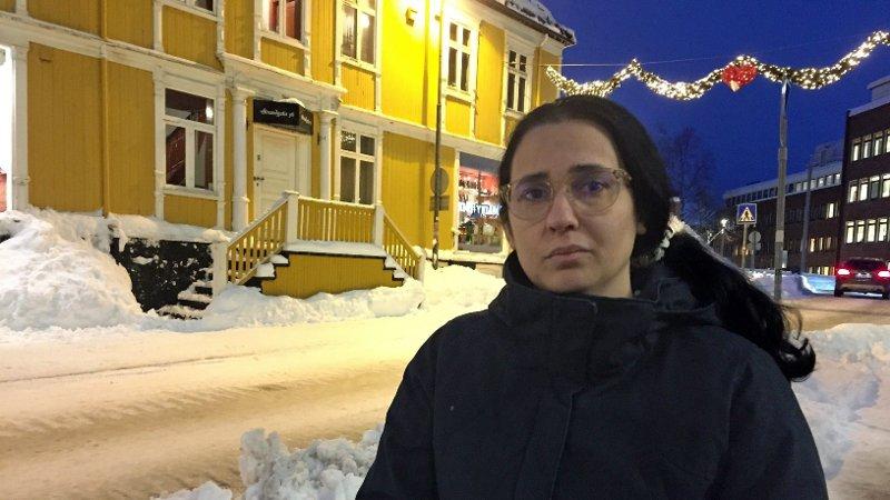 TØFF DAG: Mais Souleyman Alismail kjente kvinnen i 20-årene som mandag døde på UNN. Tirsdagen har vært tøff.