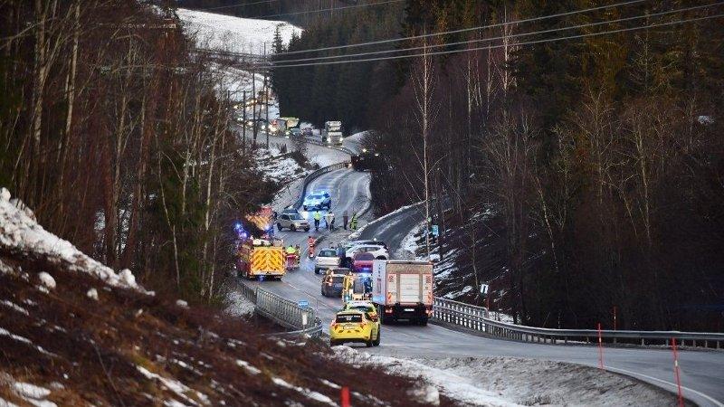 Politiet fikk melding om ulykken på fylkesvei 120 i Gjerdrum klokka 08 fredag.