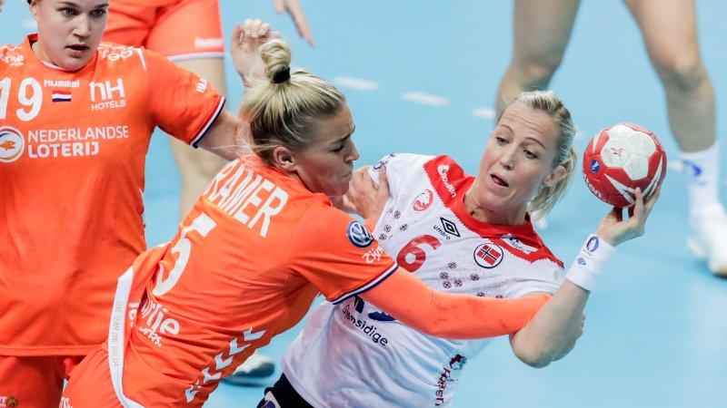 Heidi Løke under VM kampen mellom Nederland og Norge