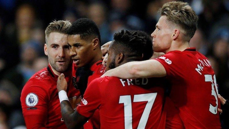 PANGSTART: Manchester United sjokkerte Manchester City i den første omgangen på Etihad Stadium lørdag.