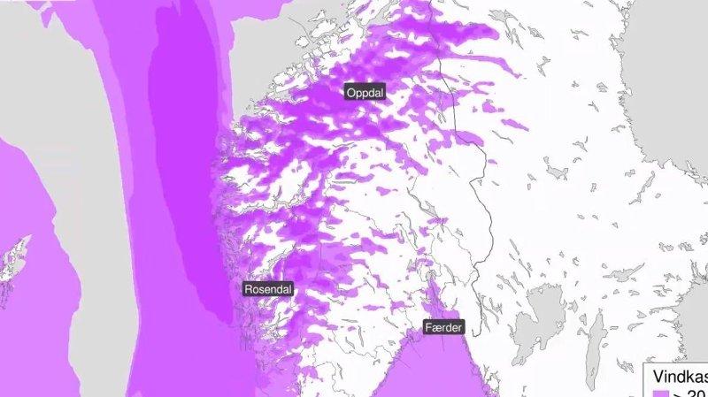 Sesongens hittil kraftigste storm er på vei til Sør-Norge tirsdag.