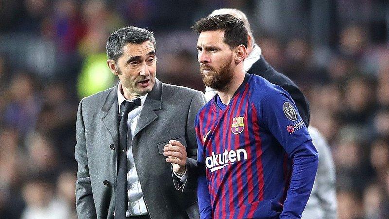 OVER OG UT?: Ernesto Valverde ser ut til å nærme seg slutten som trener for Barcelona og Lionel Messi.