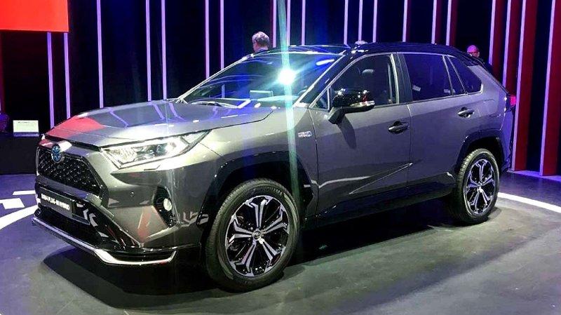 Her står den - nye Toyota RAV4 i ladbar utgave. Den kommer til å bli en storselger i Norge.
