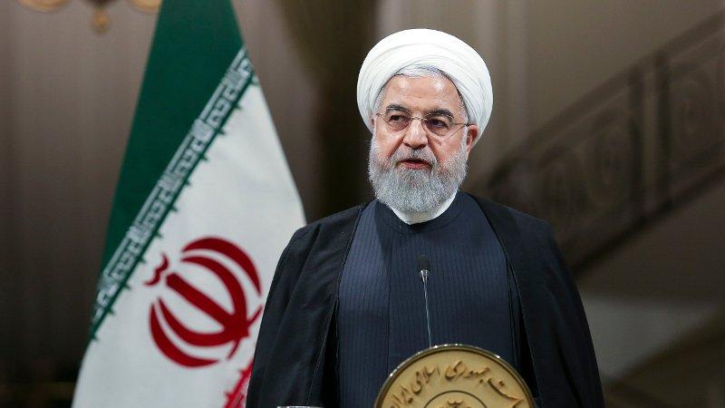 Irans president Hassan Rouhani under en pressekonferanse i Teheran i helgen. Franske myndigheter fordømmer at to franske forskere og en eksiliraner bosatt i Paris er pågrepet og fengslet i Iran.