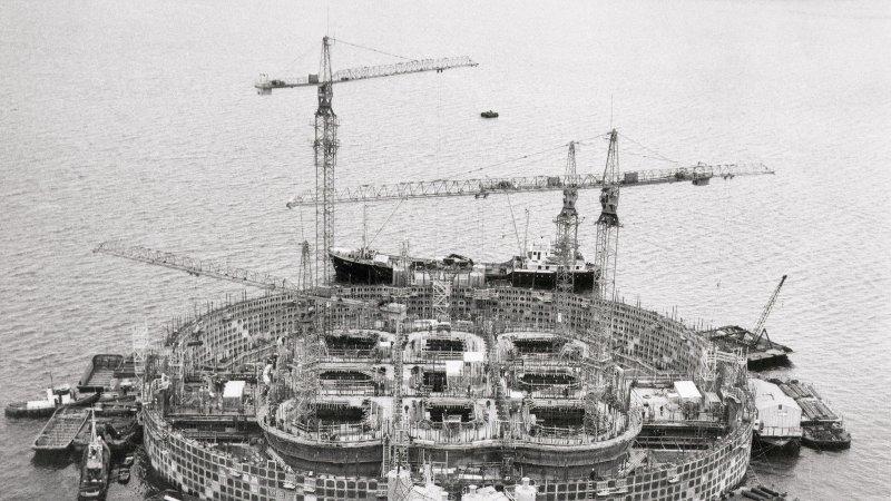 Bilde av byggingen av en plattform på Ekofisk i 1972