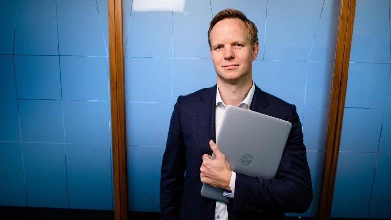 SKREMMENDE: Terje Fjeldvær i DNB kaller utviklingen i bedragerier mot banken og kundene.