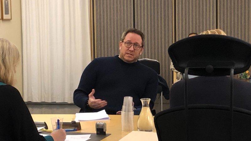 Erland Bakke i forliksrådet i januar 2020 i forbindelse med et søksmål mot en Metoo-varsler