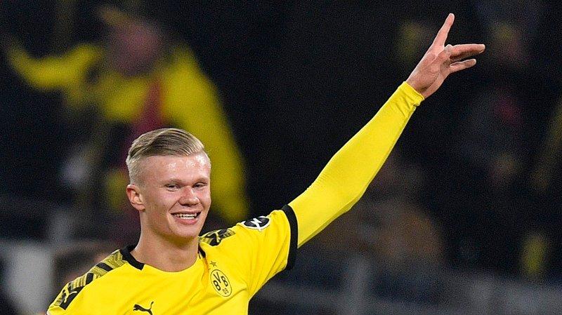 MÅL: Erling Braut Haaland klarer ikke å stoppe for tiden. Hjemmedebuten for Borussia Dortmund endte med to scoringer.