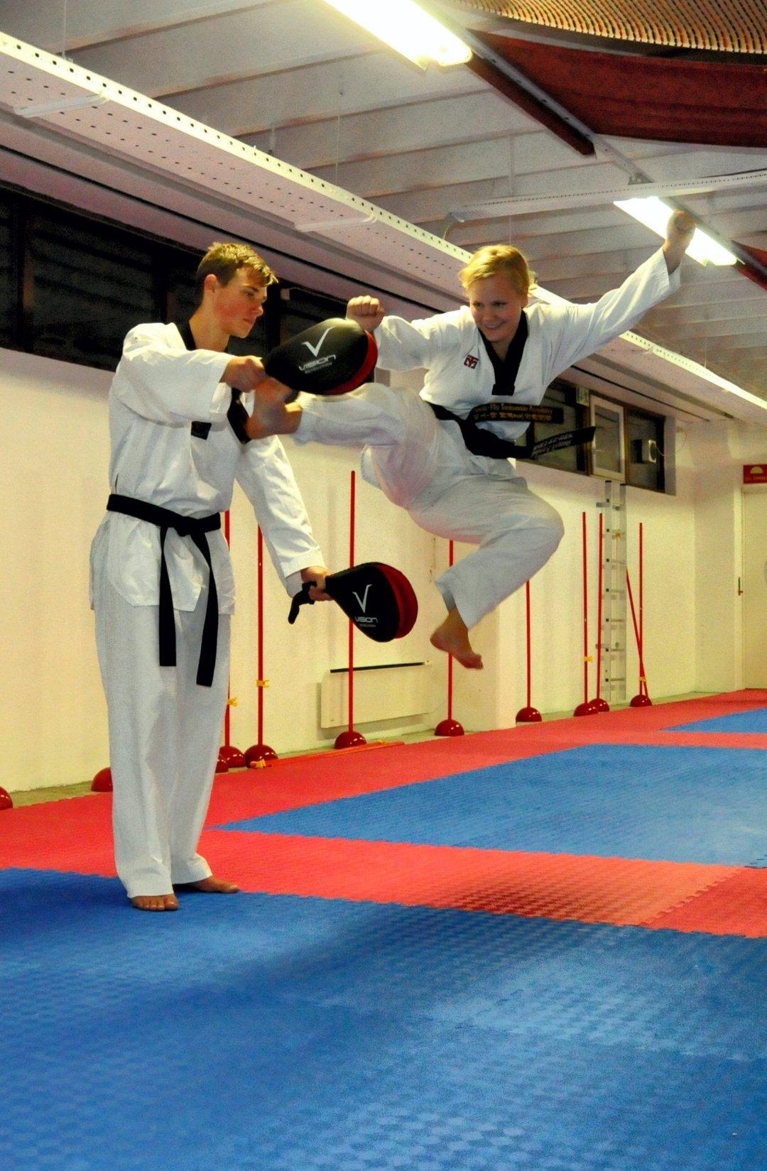 Får bedre selvtillit av Tae Kwon Do Det er god mental trening, i tillegg til det fysiske