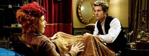 Orgasmisk behandlingLege Mortimer Granville behandler en pasient for stress og andre følelsesmessige bekymringer. Foto: filmweb.no