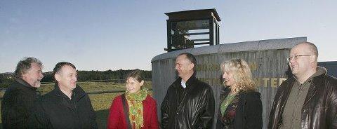 <b>Satser videre: </b>Avaldsnes er verdt mer oppmerksomhet, det er den arkeologiske styringsgruppa enige om. Fra venstre: Sigurd Aase, Kjell Arvid Svendsen, Torun Zachrisson, Dagfinn Skre, Marit Synnøve Vea og Frans-Arne Stylegar.