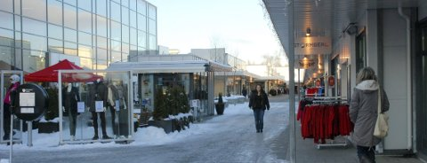 Norwegian Outlet i Vestby markedsfører seg selv som Norges største merkevareby. Omsetningen i fjor økte med 22 prosent.