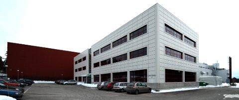 Pillefabrikken på Gjellebekk er konkurs, igjen. Og bobestyreren forsøker å selge fabrikken, igjen.