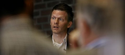 Tage Pettersen lurer på hvor byens politiske ledelse har vært i scenesaken.