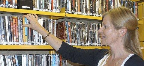 Øker mest: Mari Anne Hustad forteller at utlånet av filmer har den største økningen.