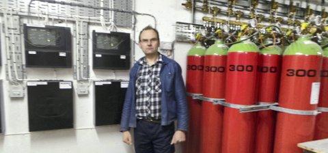 Sprinkleranlegg på gass: Olav Granberg har investert 2,5 millioner kroner i sprinkleranlegg som går på gass.