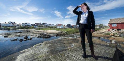 Boplikten: Eiendomsmegler Hanne Tegneby forteller om investorer som forbereder seg på at boplikten faller. Selv er hun ikke helt sikker på hva som skjer. FOTO: ERIK HAGEN