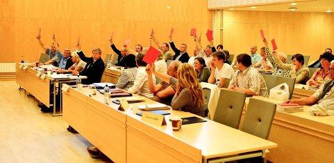 FLERE ENN 13: Ifølge ordfører måtte flere enn 13 representanter stemme i mot behandling av boikottforslaget for at det skulle bli avvist. Slik ble det.