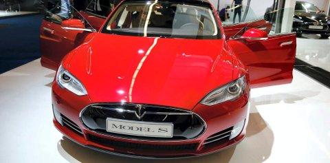 Salget av elbilen Tesla har falt kraftig de siste par månedene, viser ferske tall fra Opplysningsrådet for veitrafikken.