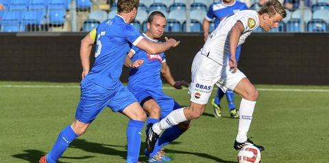 Thomas Lehne Olsen (22) vartet opp med fire scoringer da Drammen FK ble slått 10–2 på Marienlyst i går.
