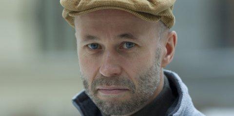 JOURNALIST OG FORFATTER: Johan Theorin er født i Göteborg i 1963 og oppvokst i Nora og på Öland. Foto: NTB SCANPIX