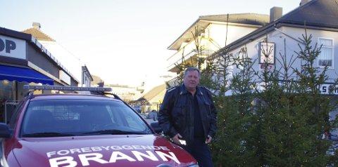 FOREBYGG BRANN: Willy Wikberg ber folk være ekstra forsiktige i de brannfarlige månedene vi nå går inn i.