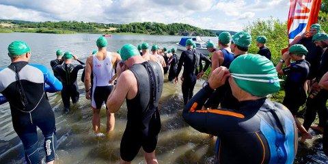 Rundt 200 stilte til start i Fredrikstad Triathlon lørdag.