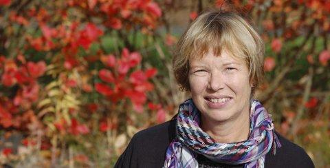 Demenskonsulent: Aino Bunæs representerer lavterskeltilbudet i Ski kommune. Det betyr at alle kan ta kontakt med henne, ringe, eller sende e-post. Informasjon kan du finne på kommunens nettside eller ringe sentralbordet.