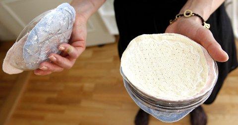 Søte dessertskåler fra ei tid da håndsydde brikker ble lagt mellom skålene for å skåne glasset.