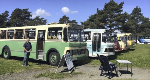TREFF: Campingplassen på Norsk Jernbanemuseum var fylt opp av busser fra fjern og nær fortid denne helgen. Foto: Jo E. Brenden