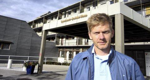 Ordfører Tage Pettersen synes det er positivt med en styrking av det faglige miljøet ved Moss sykehus.